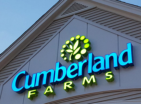 Cumberland Farms donates water to Marshwood Middle School